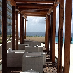upscale bar overlooks ocean