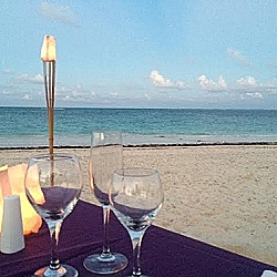 Private dinner on the beach, great view!